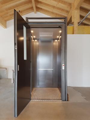 Gallerie-TBO-Aufzug-30-300x400