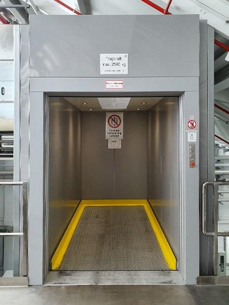 Ein Lastenaufzug von TBO Aufzug