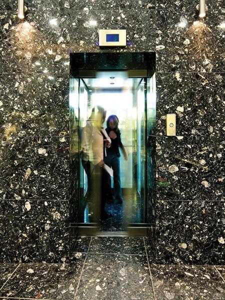 TBO Aufzug Personenaufzug als Seil oder Hydraulischer Variante.